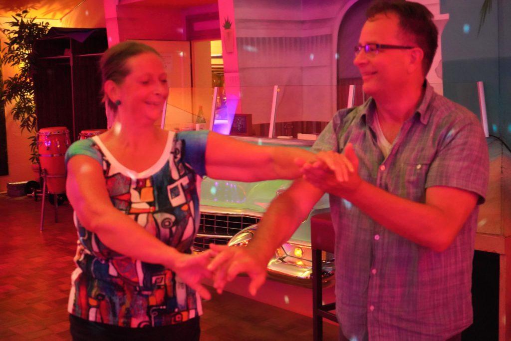 Hilkea Knies Salsa tanzen